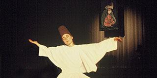 Annemarie Schimmel: Rumi: Musik und Tanz – das Kreisen der Welten.