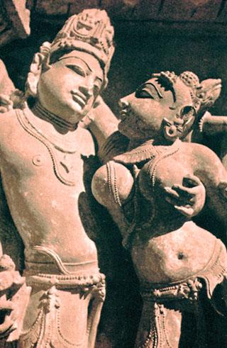 Lakshmi, die Göttin der Schönheit und des Glücks, umarmt von ihrem Gatten Vishnu.