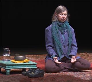 Cynthia Bourgeault beim Gebet der Sammlung